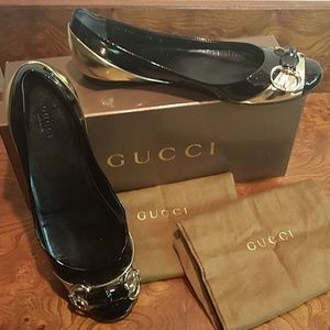 Gucci Black and Gold Flats in Size 7.5
